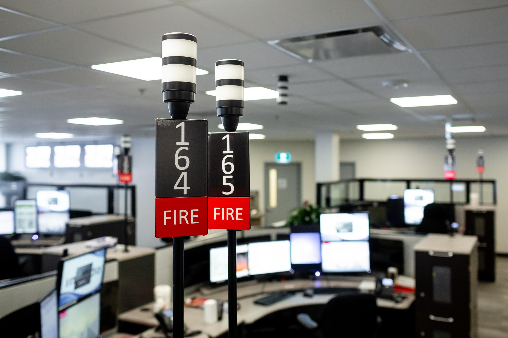 911 Center Indicator Light